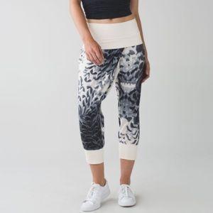 Lululemon Dance To Yoga Pant Black/Cream 4